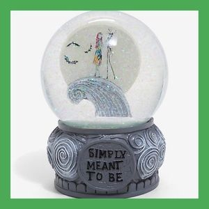 ❌SOLD❌Nightmare Before Christmas Snow Globe
